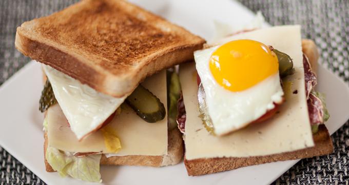 Enjoy Every Sandwich - Christine Carter